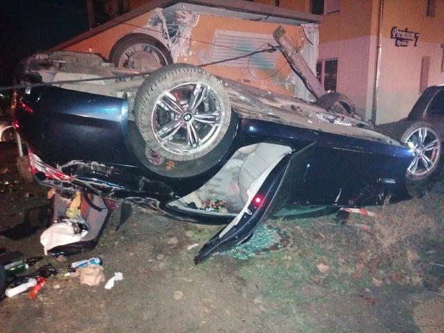 Un șofer s-a dat peste cap cu mașina după ce a pierdut controlul volanului, la Timișoara