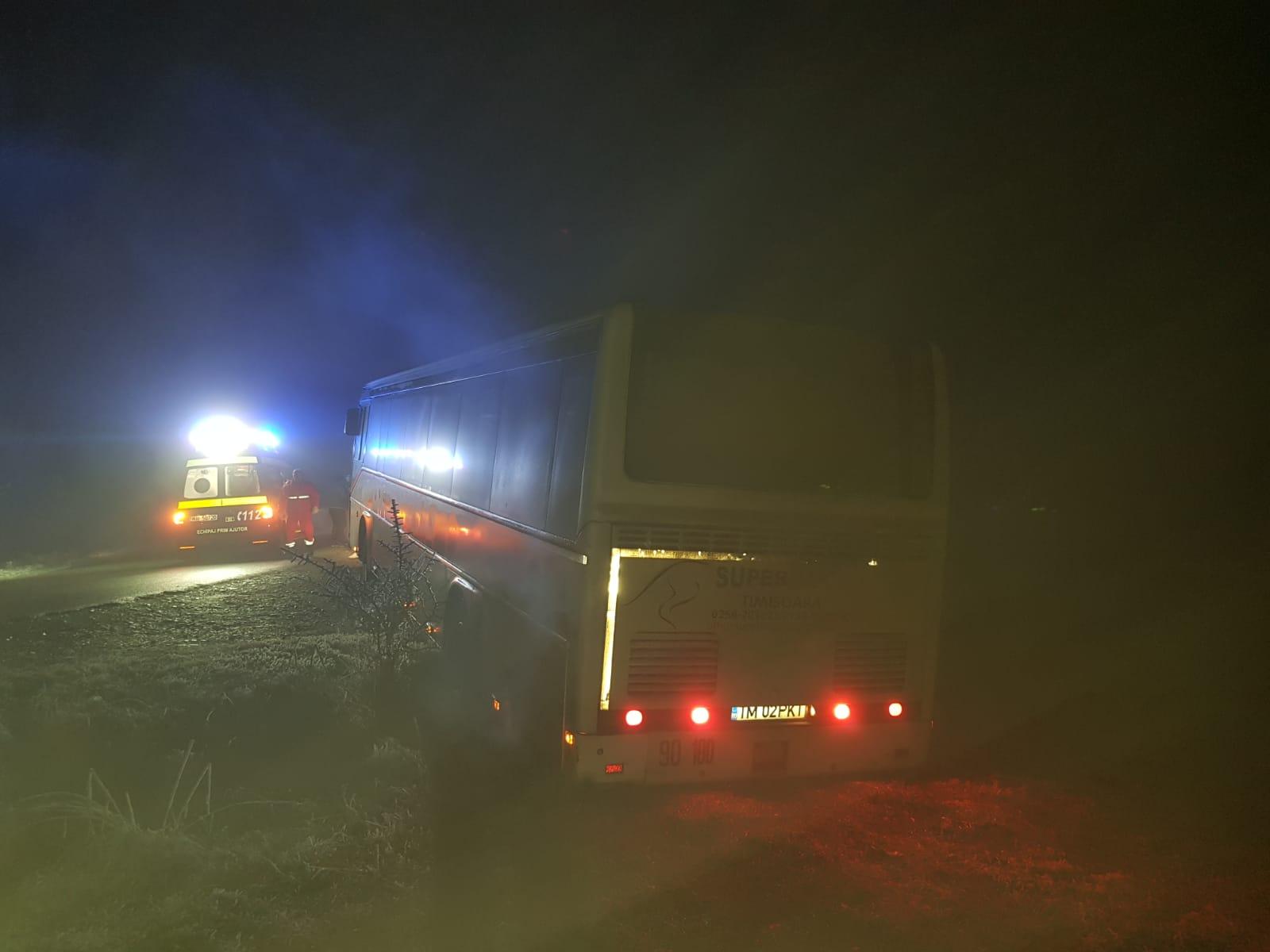 Autobuz cu zeci de copii implicat într-un accident de circulație, înTimiș