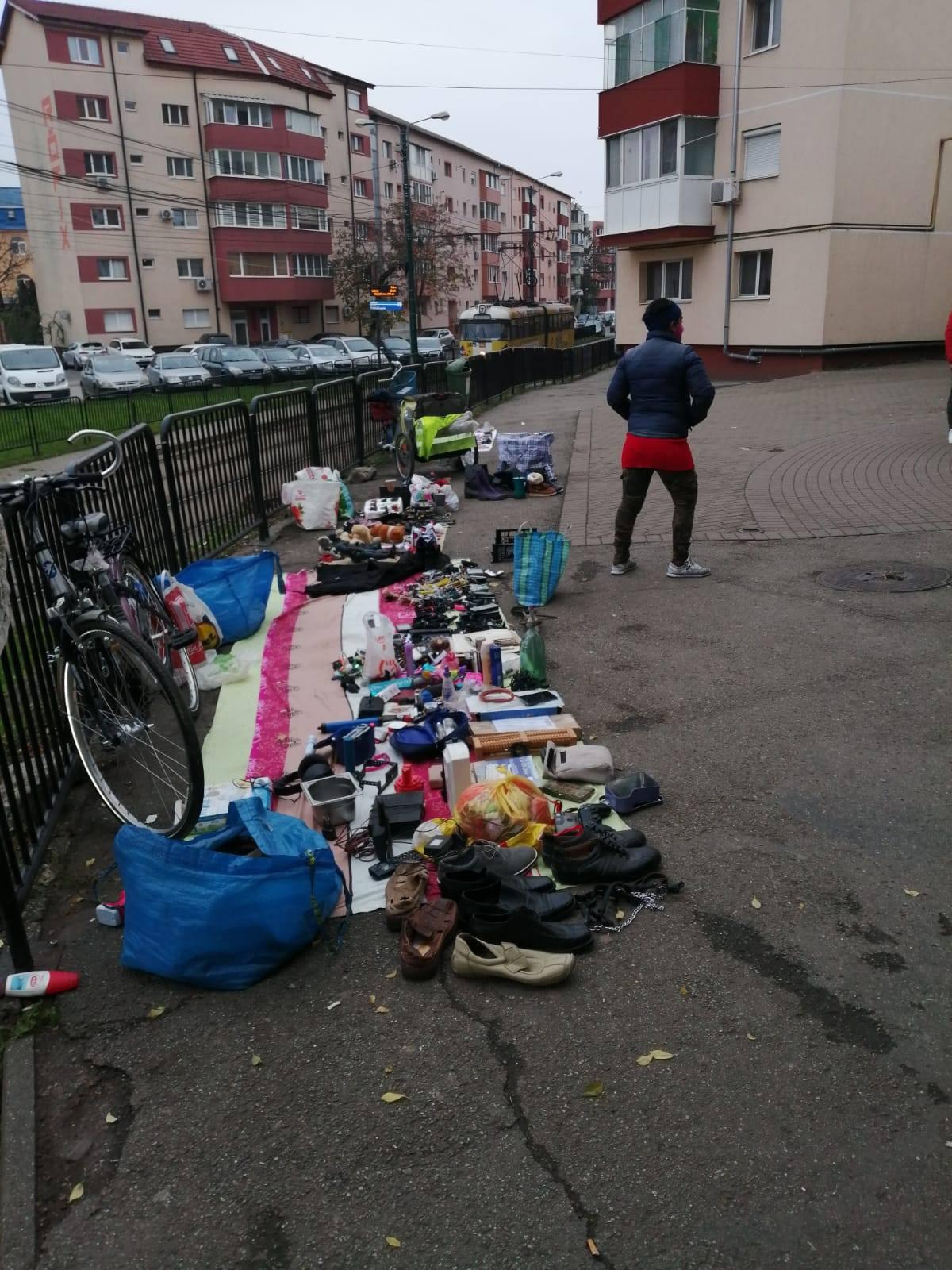 Vânzătorii ambulanți din Dâmbovița, goniți de Poliția Locală