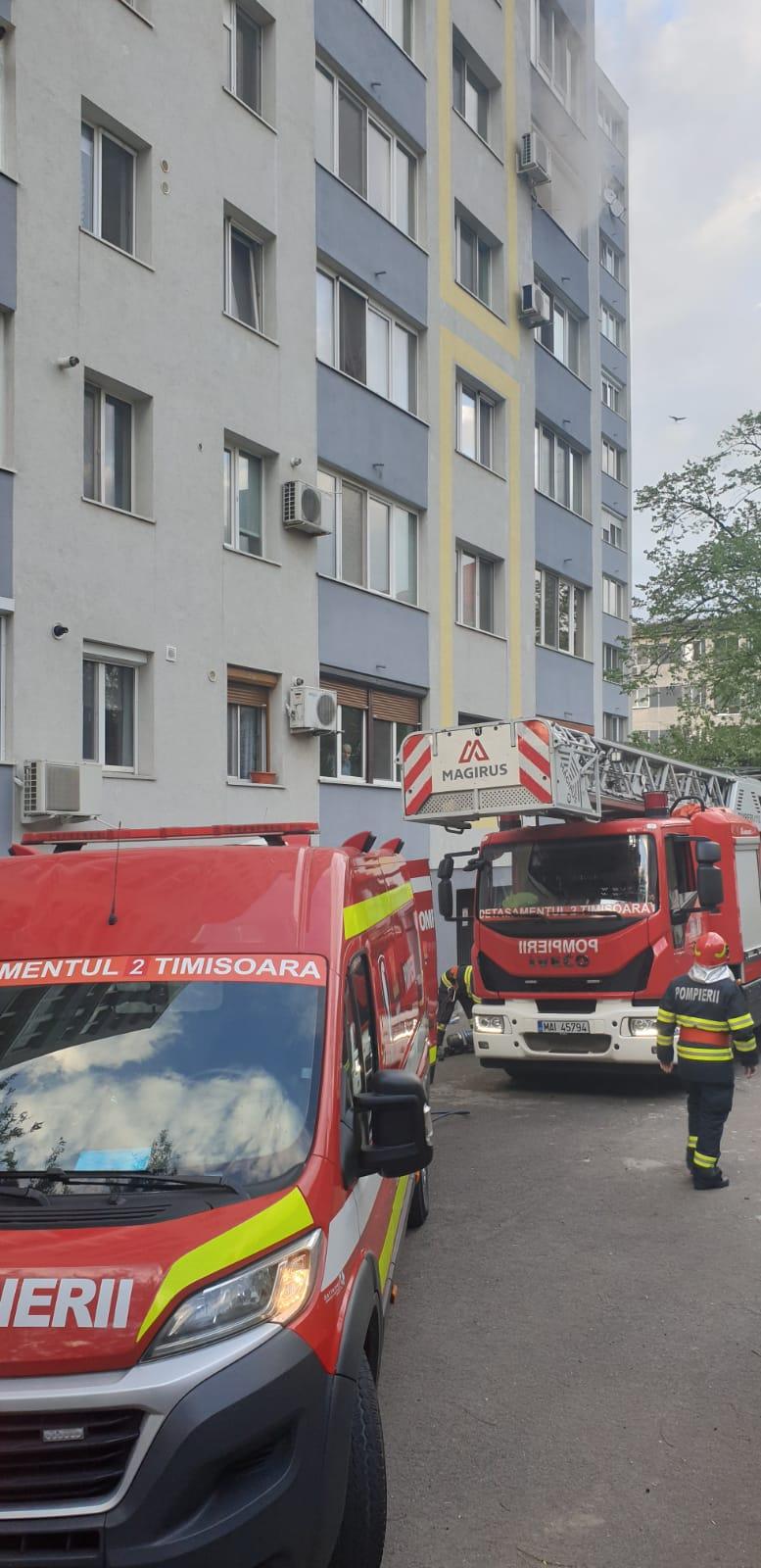 Incidendiu pornit de la o lumânare lăsată aprinsă, în ziua de Paște, la Timișoara