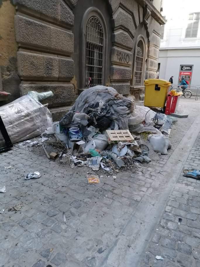Amenzi pentru comercianții care nu gestionează corect deșeurile în zona centrală a Timișoarei